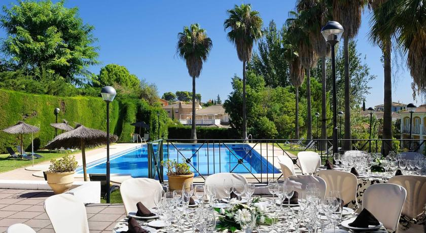 Celebraciones jardines piscina eurostars adelfas cordoba for Piscinas jardin cordoba