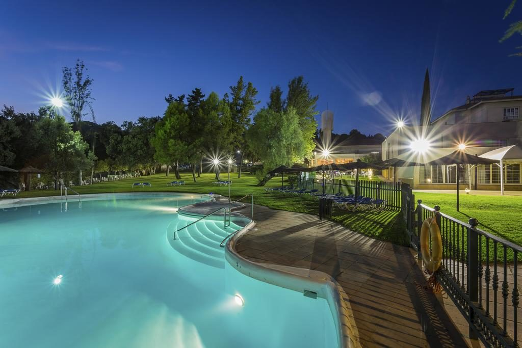 hotel-ayre-cordoba-piscina