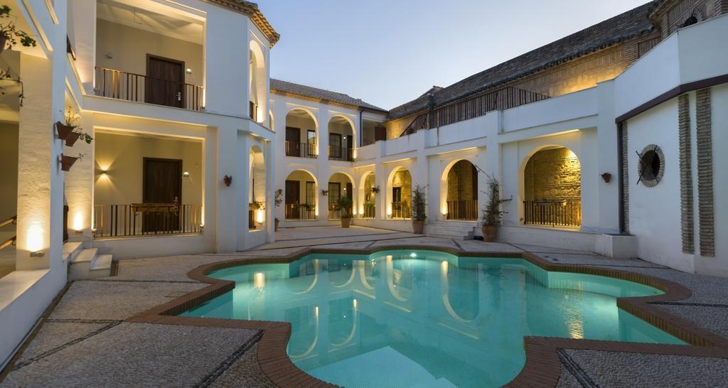 hotel-nh-amistad-cordoba-piscina