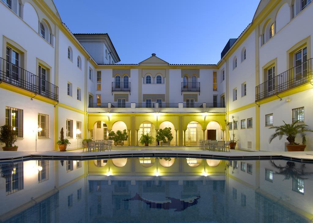 hotel-noche-piscina-cordoba-alfaros