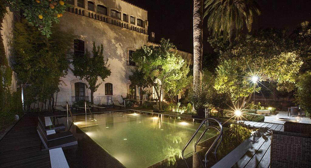 piscina-hospes-bailio-cordoba-noche