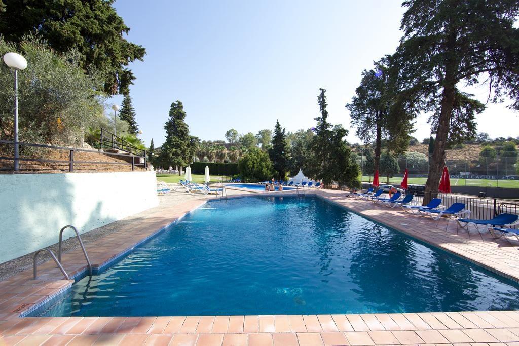 piscina-hotel-abetos-cordoba