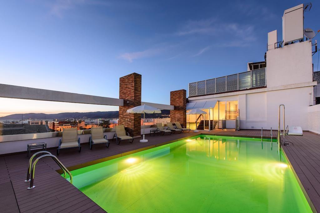 piscina-noche-hotel-tryp-cordoba