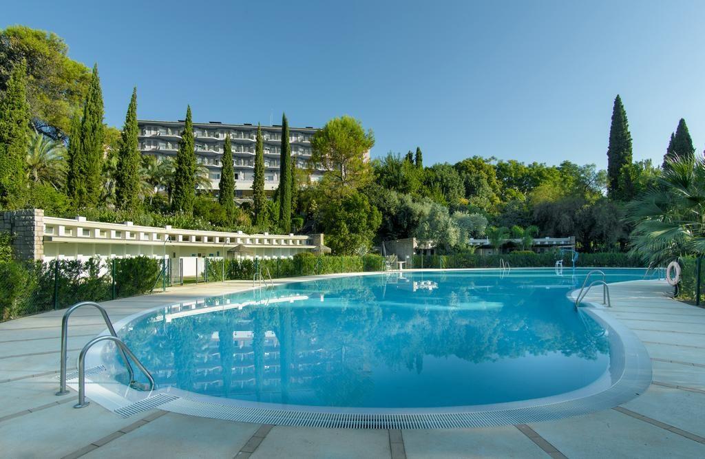 piscina-parador-cordoba-jardines